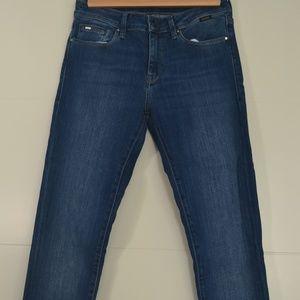 Medium Wash Adriana Style Mavi Jeans